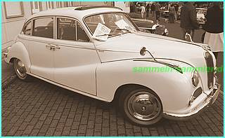 Ein alter BMW auf einem Oldtimer Treffen