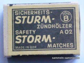 Sturmzündhölzer in Streichholzschachteln aus der DDR