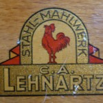 Markenzeichen der Kaffeemühlen der Firma Lehnartz