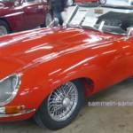 Oldtimer Jaguar E-Type in typischem Rot
