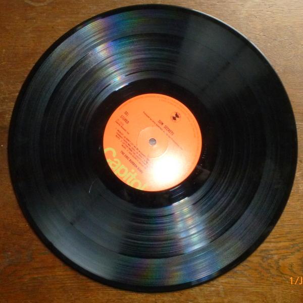 Eine der beliebten Schallplatten, eine Vinylschallplatte