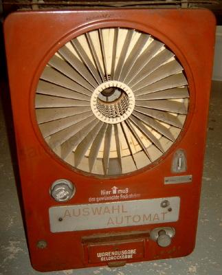 alter Verkaufsautomat