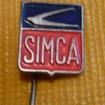 Eine der Anstecknadeln von Simca