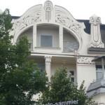 Hausfassade mit schönem Jugendstil Balkon