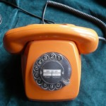 Telefon in Orange 70er Jahre