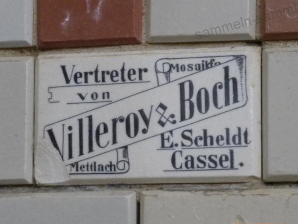 Wandfliese mit Hersteller-Informationen, um 1910